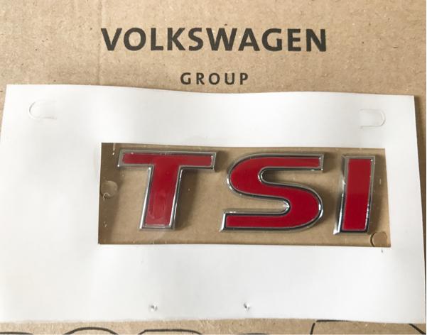 VW 純正品 5Tトゥーラン オールレッド TSI リア エンブレム 赤 Touran / ゴルフ6 ゴルフ7 ヴァリアント ポロ シャラン ティグアン シロッコ_画像2