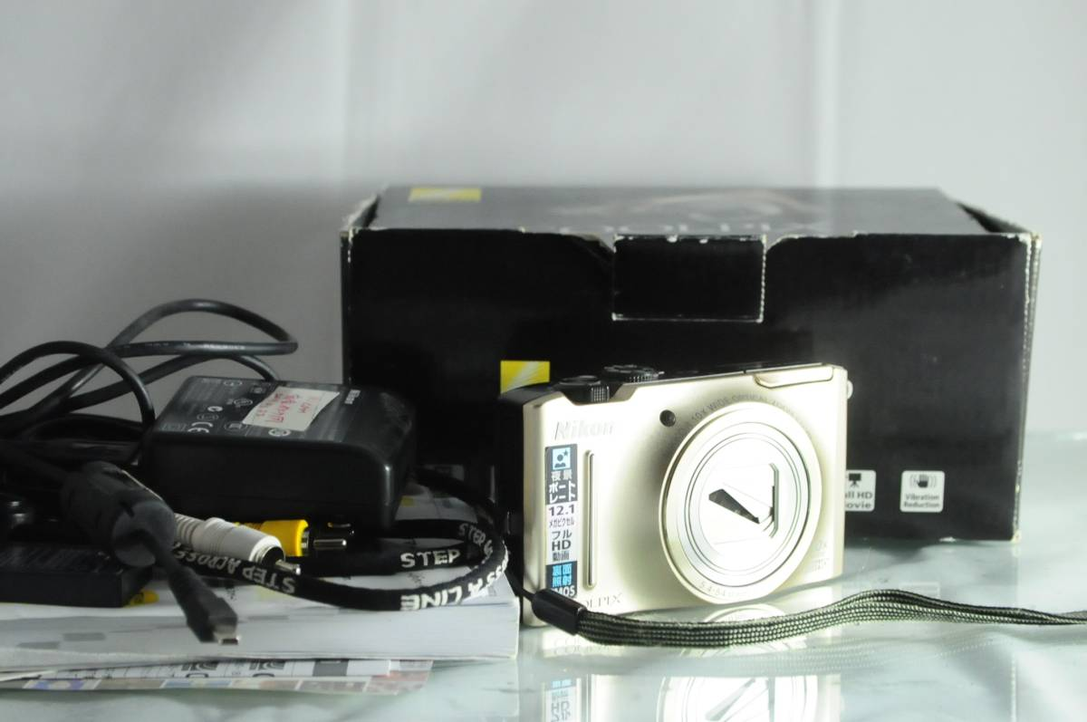 送料無料★ニコン NIKON COOLPIX S8100★バッテリー付き★元箱★5120