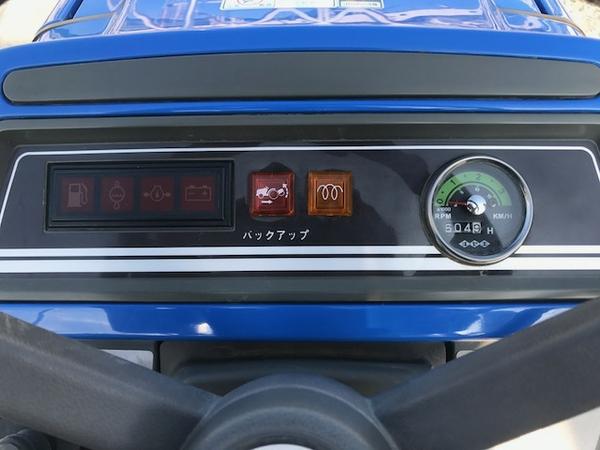 大阪府発 中古 イセキ TM17 トラクター 自動水平 PTO 4WD シート良好 安全バー アタッチメント ロータリー 付 604h 乗用 直K2544115_画像4