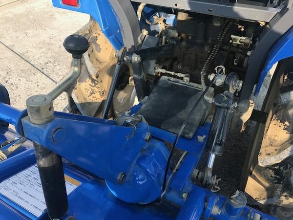 大阪府発 中古 イセキ TM17 トラクター 自動水平 PTO 4WD シート良好 安全バー アタッチメント ロータリー 付 604h 乗用 直K2544115_画像10