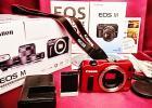 美品 付属品多数 動作確認済 Canon キャノン EOS M ボディ レッド ミラーレス ハイブリッドCMOS AF採用 小型・軽量 約1800万画素
