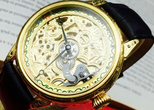 《名器歴代物》■ OMEGA (オメガ)■ スケルトン フルスケ アンティーク 時計 ★ゴールド文字盤 1898年 手巻き 本革 メンズ 腕時計 人気
