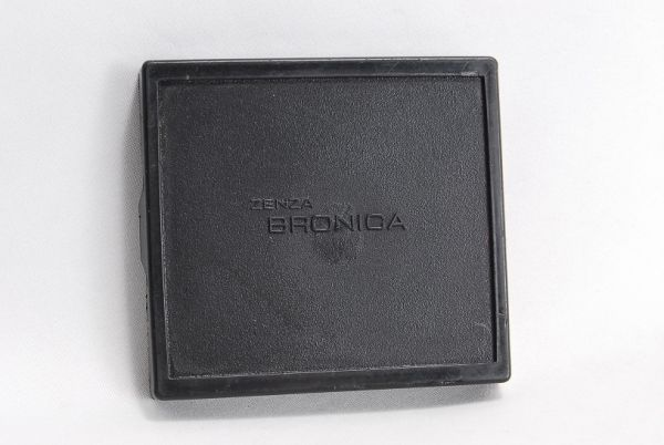 ZENZA BRONICA●ブロニカ ETR用 ファインダーボトムカバー