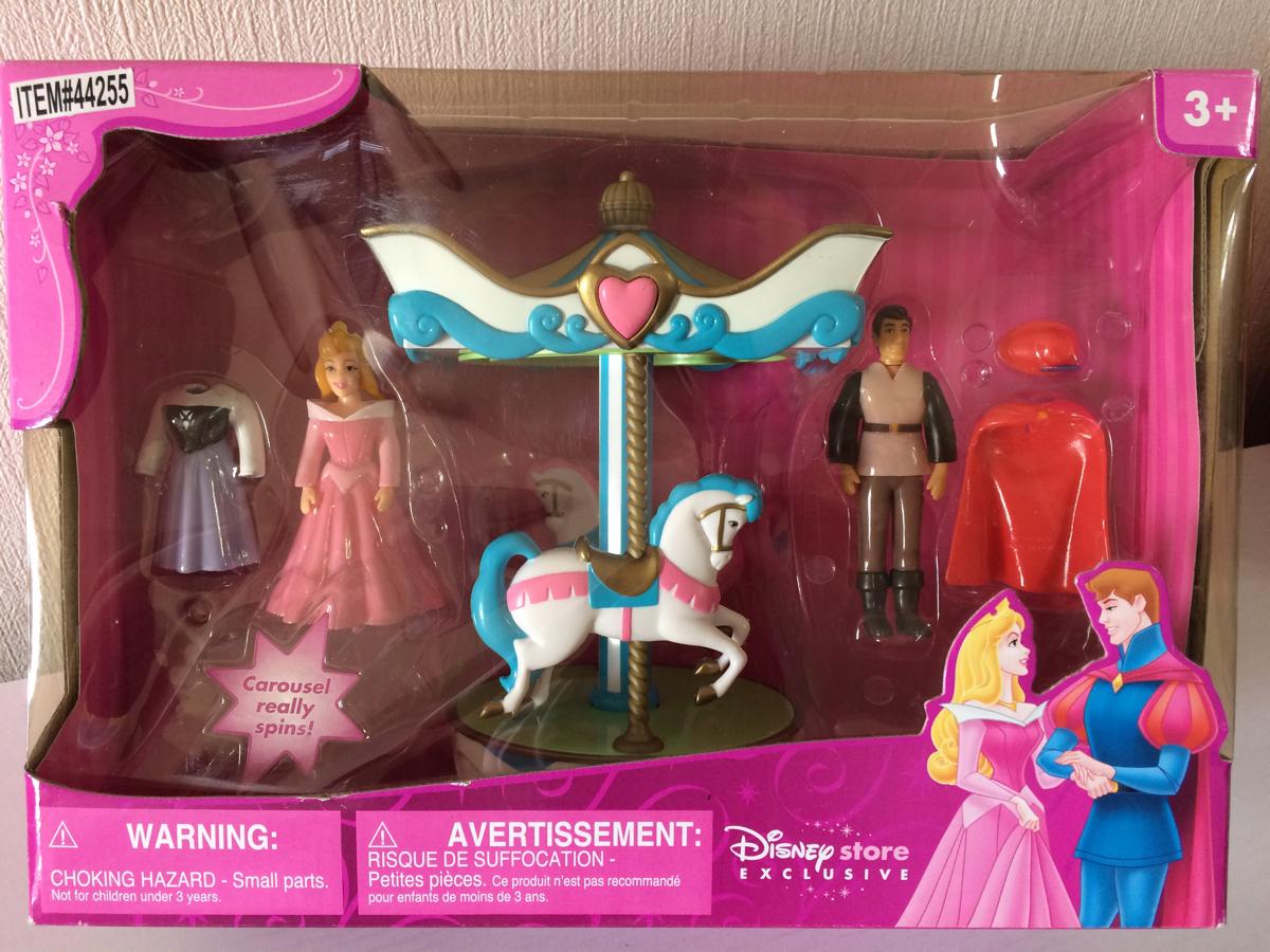 新品・未使用・日本未発売・USAディズニーストア・プリンセス・オーロラ姫・眠れる森の美女・着せ替え人形 ディズニーグッズの画像
