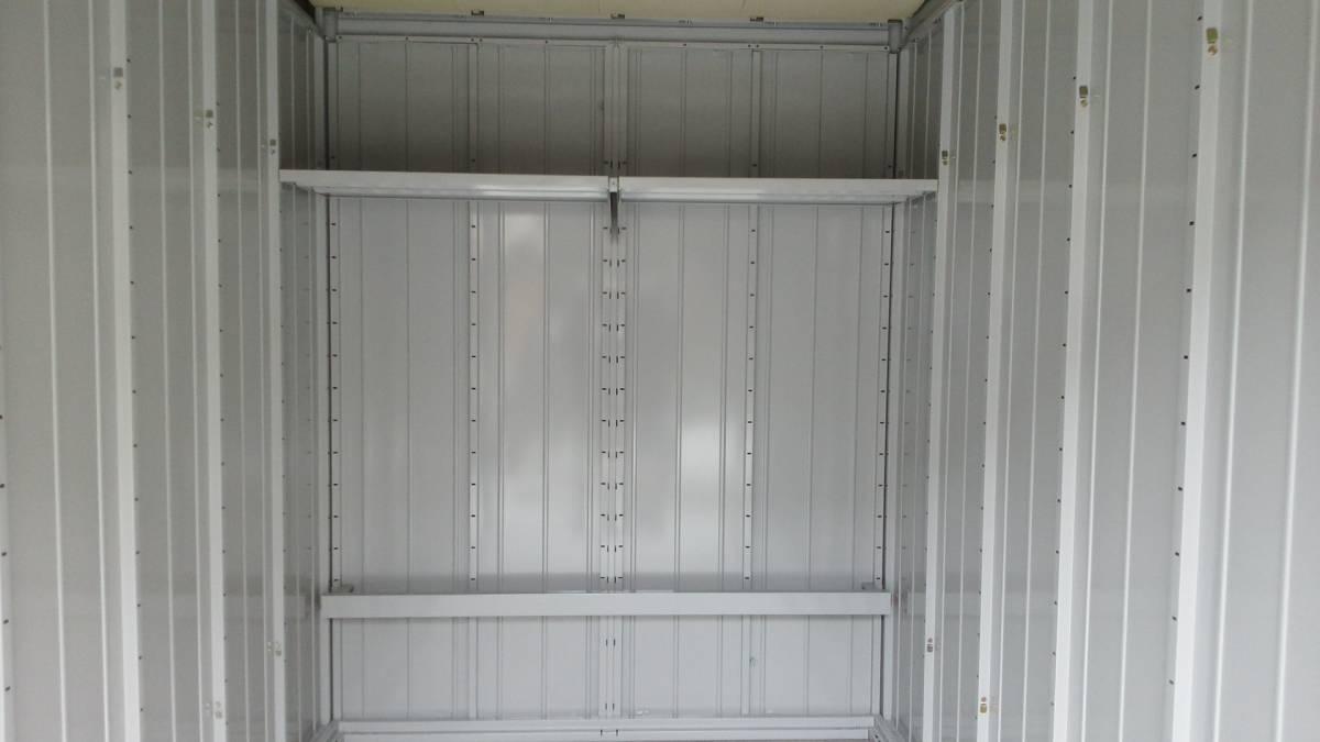 松戸市新作バイクガレージ_全て棚とロックバー設置済