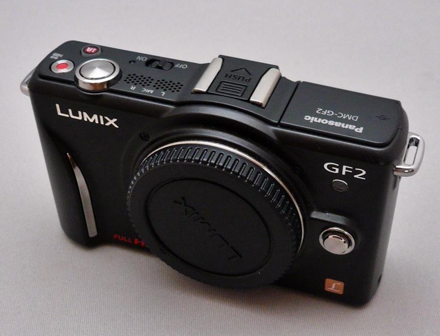 デジタル一眼カメラ/ボディ DMC-GF2+本革ボディケース DMW-CGB2