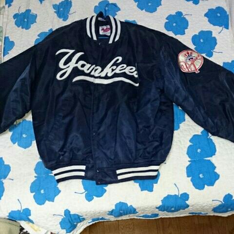 ニューヨークヤンキース スタジアムジャンパー グッズの画像
