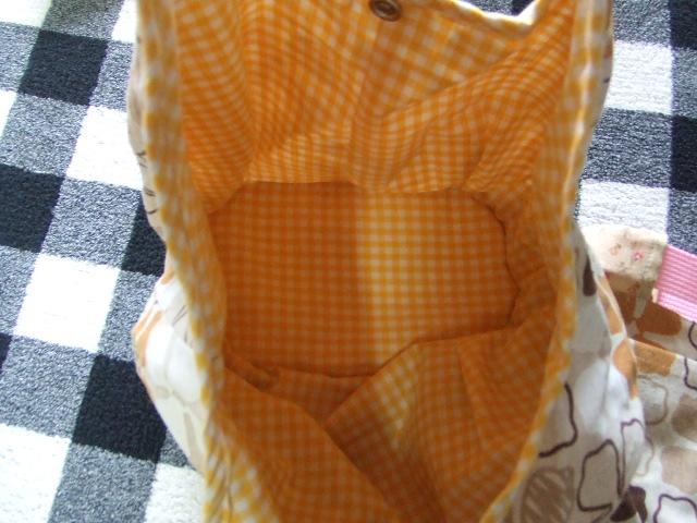 新品 ハンドメイドバッグ トートバッグと小物入れポーチ 手提げかばん 化粧ポーチ2個セット_画像2