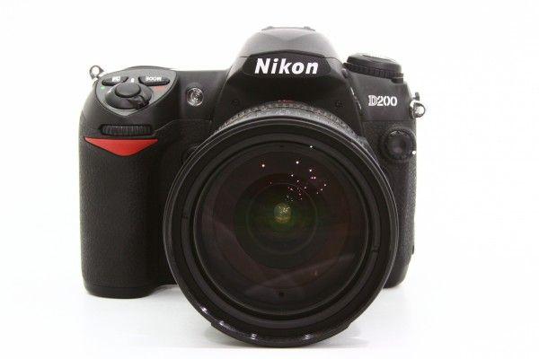NIKON ニコン D200 + AF-S DX VR Zoom-Nikkor 18-200mm 3.5-5.6G デジタル ジャンク 送料無料 1円オークション