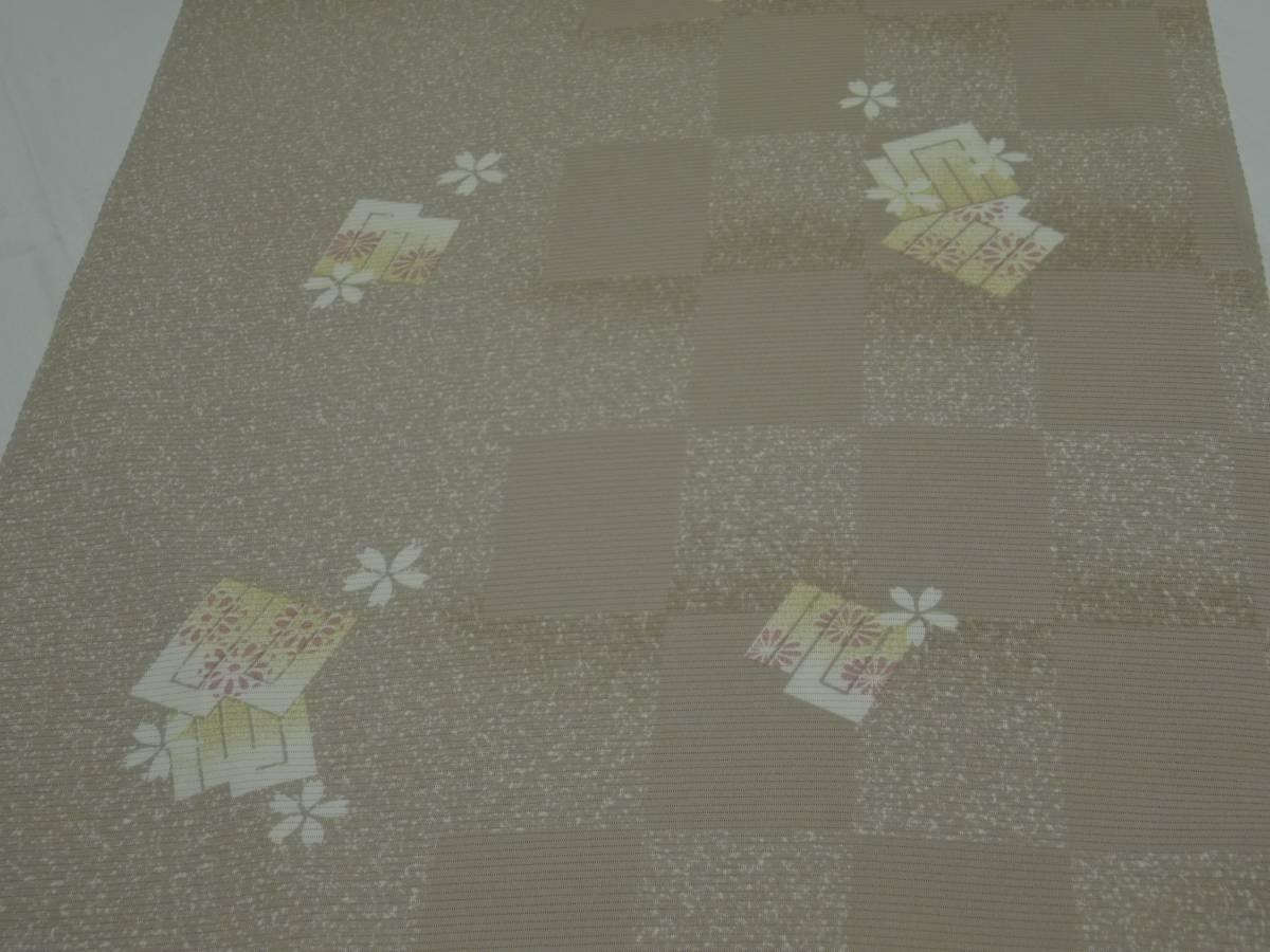 夏物★新品・正絹・反物★福井県・春江縮緬・絽小紋着尺★市松に源氏香桜柄です_画像2