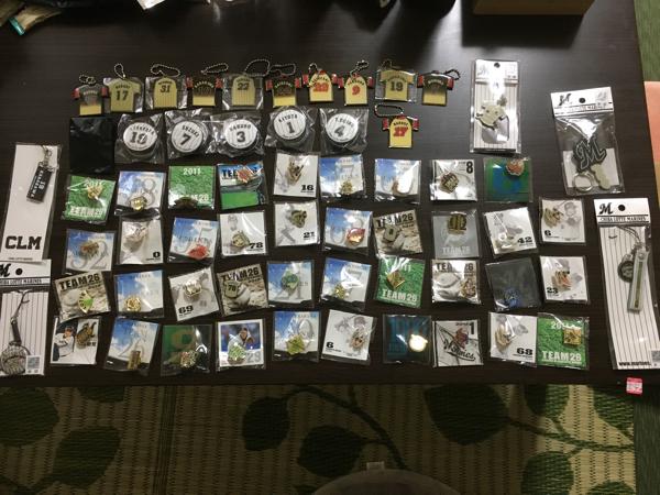 千葉ロッテマリーンズ ピンバッジ 缶バッジ ユニホーム型キーホルダー ストラップ グッズの画像