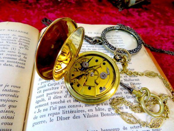 1830年の懐中時計ですよ♪ 18金無垢の高級品 アンティーク 美しいアンティークなチェーンをおつけします 18K 鍵 手巻き ウォッチ 機械式_画像3