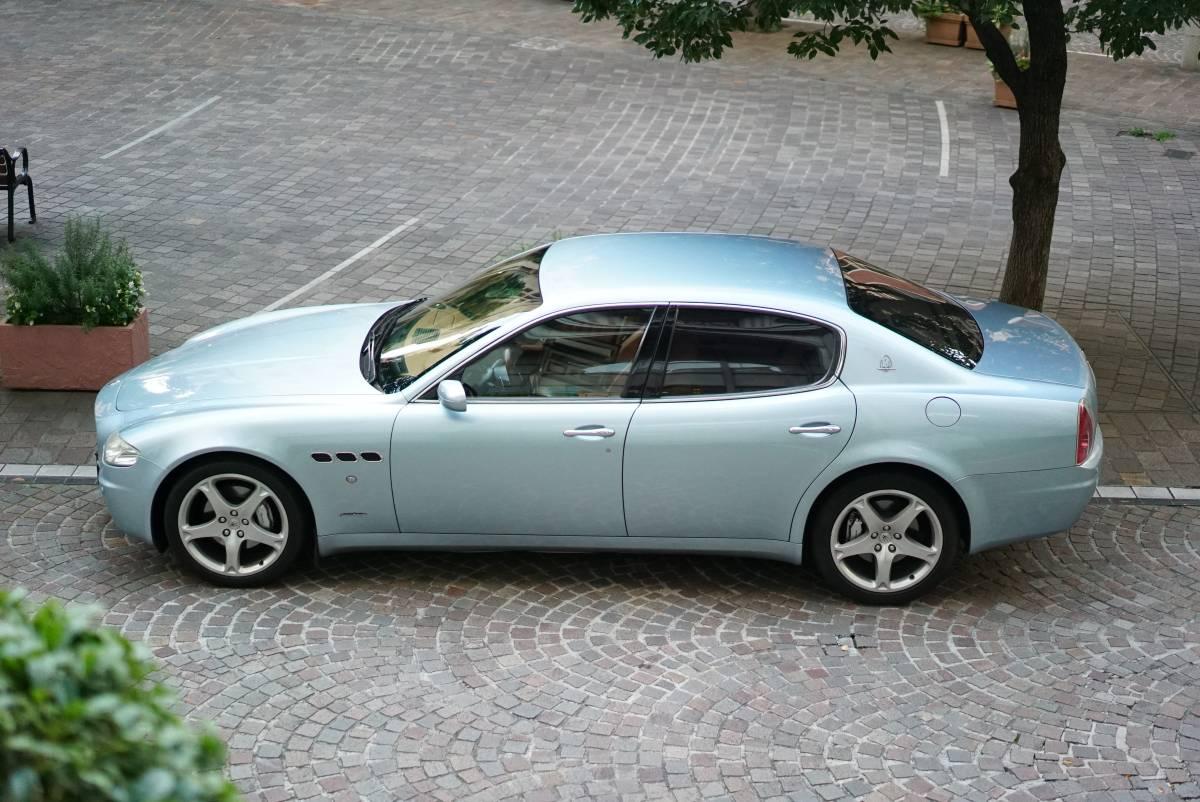 希少アルジェント・ルナ 2007年式マセラティ・クアトロポルテ ほぼディーラー整備車 記録