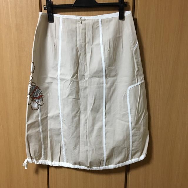クラウディアフェラーリオの変形スカート 40_画像2