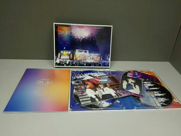 4th YEAR BIRTHDAY LIVE 2016.8.28-30 JINGU STADIUM(完全生産限定版)(Blu-ray Disc)