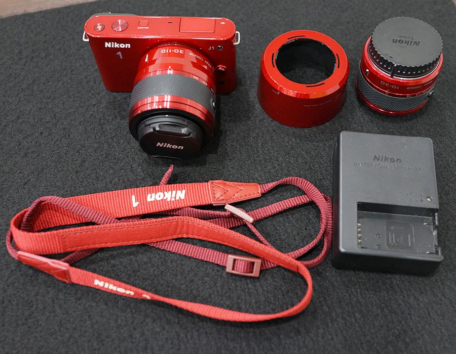 ★中古美品!レンズ交換式アドバンストカメラ Nikon 1 J1 ダブルズームキット 【レッド】★
