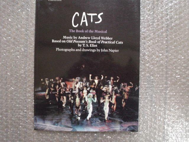 洋書★ミュージカル『キャッツ』写真集★劇団四季 以前のオリジナルキャストや衣装デザイン画も収録