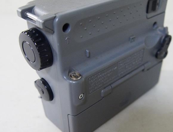 SONYソニー ICF-B50 ラジオ 中古ジャンク品_画像3