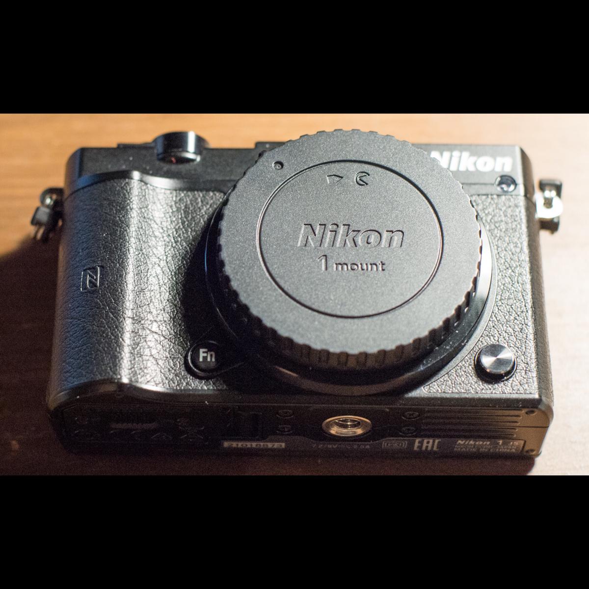 【未使用美品】 Nikon 1 j5 国際国外保証書付 パワーレンズキット SDカード付 ニコン