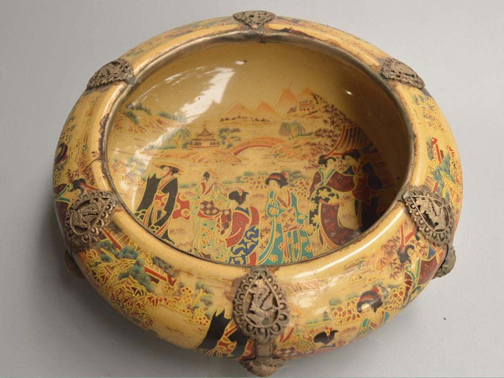 ★古美術★ 年代物 陶製彩絵銀包邊 《人物紋 金魚鉢》 置物 在銘