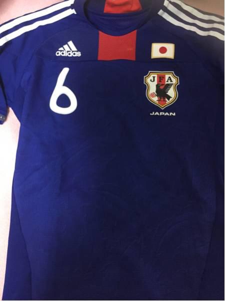 (最終値下げ)日本代表 内田篤人 サイン入りユニホーム(Mサイズ) グッズの画像