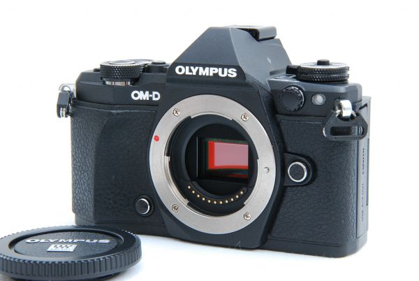 ☆極上美品☆ OLYMPUS オリンパス OM-D E-M5 mark Ⅱ ボディ 付属品一式 元箱付 使用感極少☆_画像2