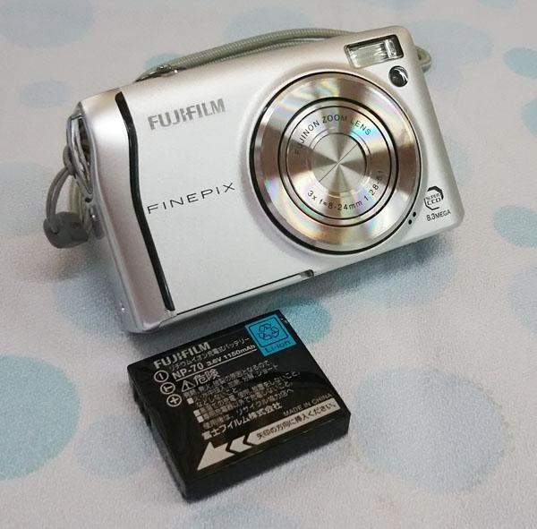 ★FUJIFILM フジフィルム FinePix F40fd シルバー コンパクトデジタルカメラ 中古品★