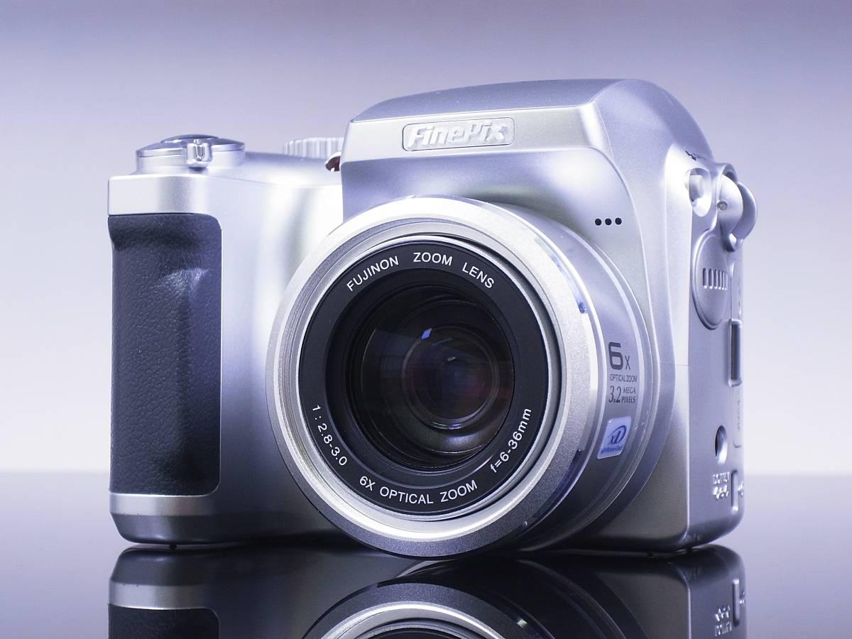 ♪♪極美品 富士フィルム FinePix ファインピックス S304 光学6倍ズーム♪♪