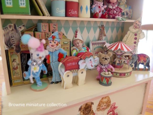サーカスコレクションの棚 ミニチュアトイ ノスタルジックな飾り棚 おもちゃ Brownie_画像2