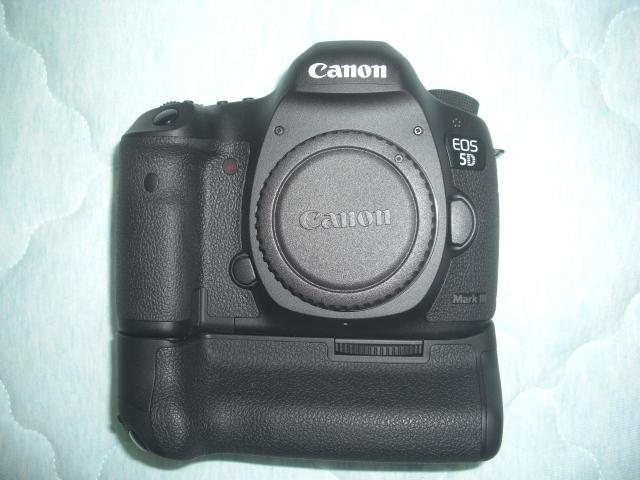 Canon EOS 5D Mark III  & バッテリーグリップBG-E11  極上