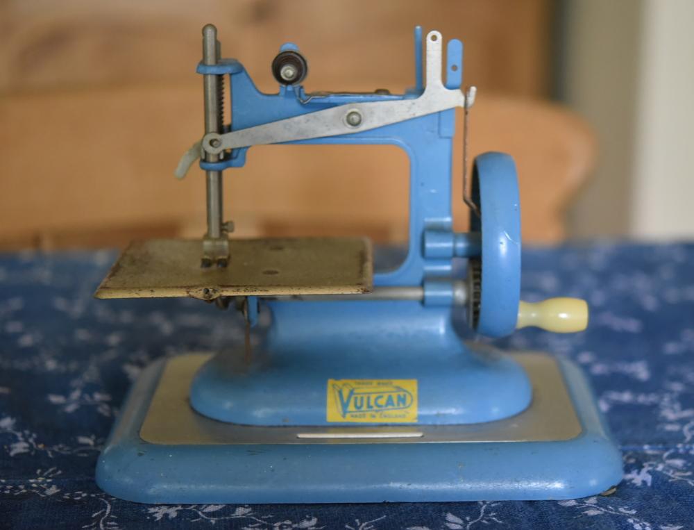 英国VULCAN トイ・ミシン 1953年頃 CHILD'S SEWING MACHINE