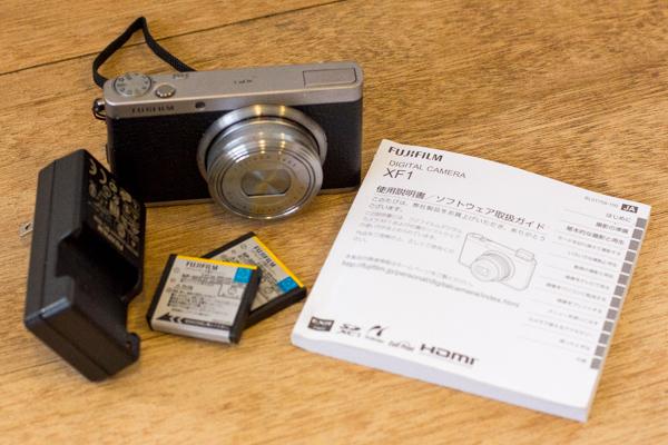 XF1 富士フィルム コンパクトデジタルカメラ ブラック×シルバー 本体+充電器+説明書+バッテリー2個