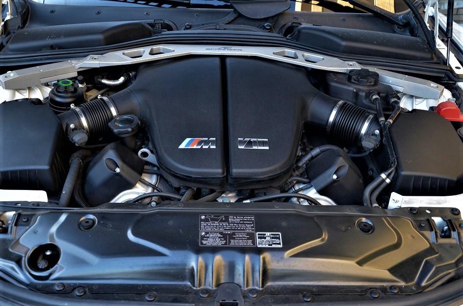 4999ccV10DOHC500PSセミレーシングエンジン