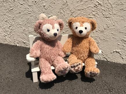 可愛らしいベンチ ダッフィー シェリーメイ ジェラトーニ ステラルー 椅子 ディズニーグッズの画像