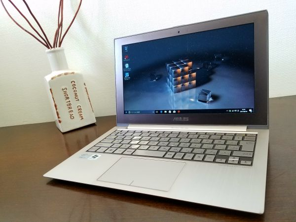 【爆速・最薄・軽量♪SSD120GB】 ☆ASUS ZENBOOK UX21E/Core i7/4GB /office2010 /win10