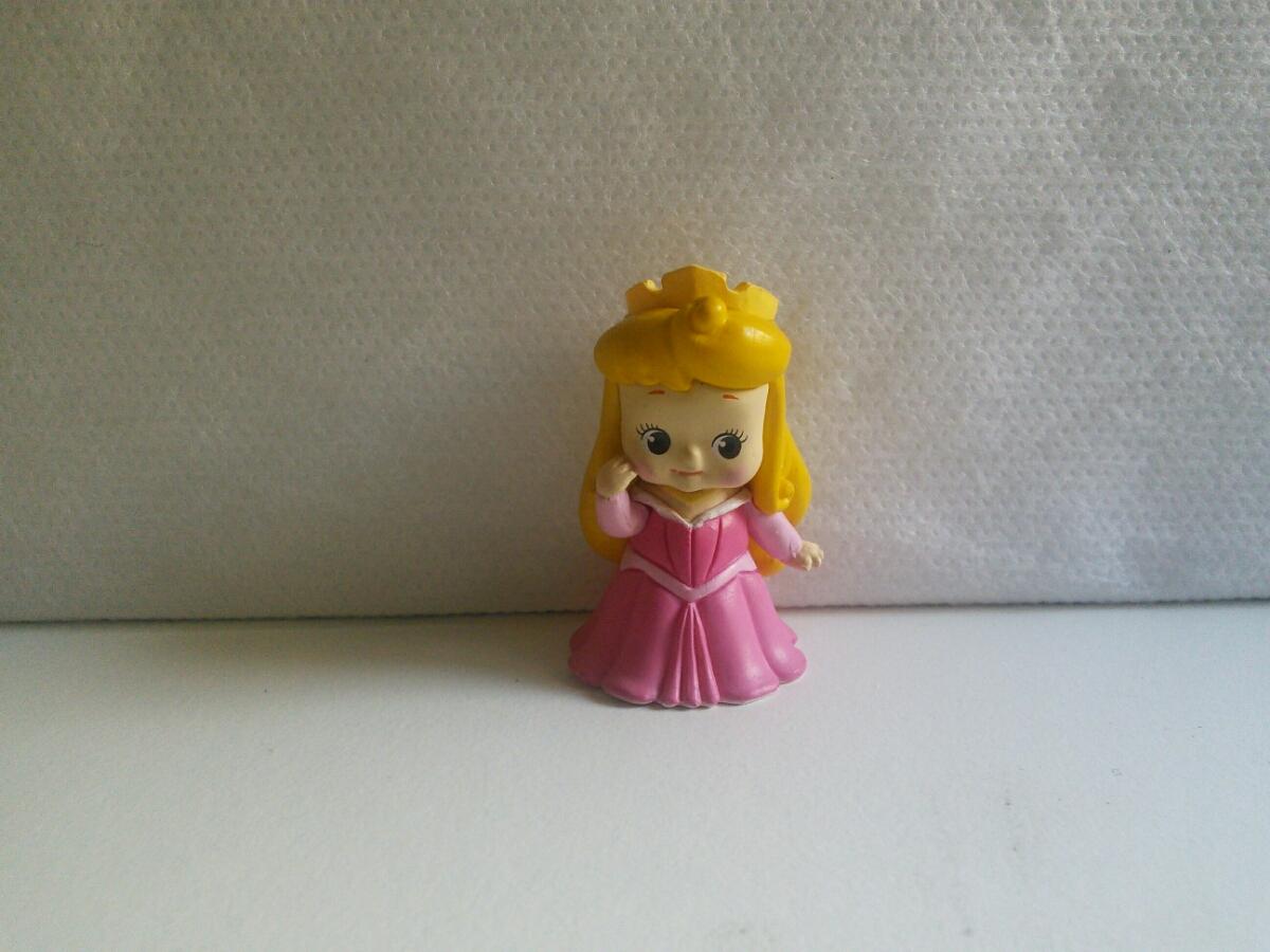 キュージョン ディズニー プリンセス 眠りの森の美女 オーロラ姫 ローズオニールキューピー ストラップ ディズニーグッズの画像