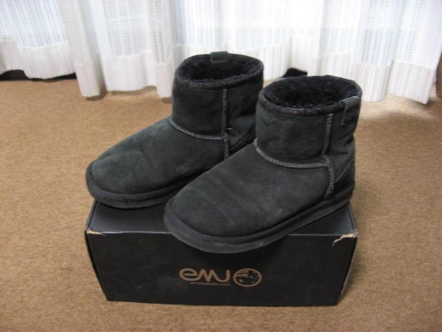 emu エミュー ムートン ショートブーツ 黒 W6/23センチ