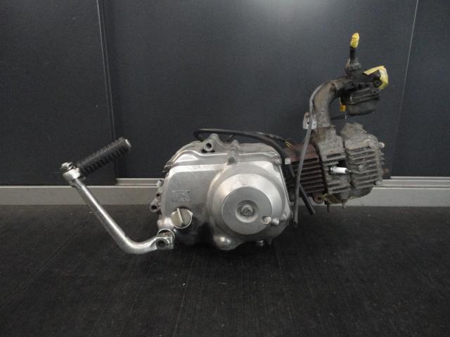 ホンダ スーパーカブ50 C50 実働中古エンジン 12V 3速 ロータリー セル無し キャブレター付き 【デラックス DX
