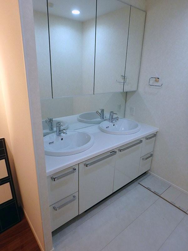 AGP-01 展示品 タカラスタンダード 洗面化粧台 三面鏡付き W1620 H730 D600_画像1