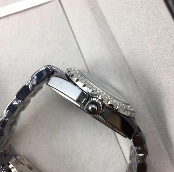 シャネル CHANEL J12 38MM 時計 腕時計 メンズ 自動巻 オートマチック デイト ブラック 黒 セラミック ラバー H0684_画像2