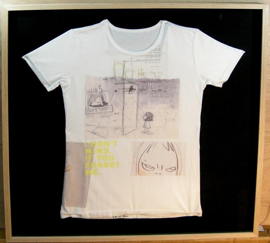 ★ 奈良美智 ◆オリジナル Tシャツ ◆ 額装品 ◆ 直筆サイン入り ♪ 超激レア商品 ! お