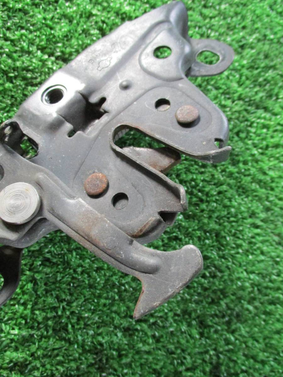 E91 ニッサン 日産 シルビア S15 SR20 SPEC S フード ボンネット キャッチ 事故 板金 修理 ドリフト 部品取り_画像3