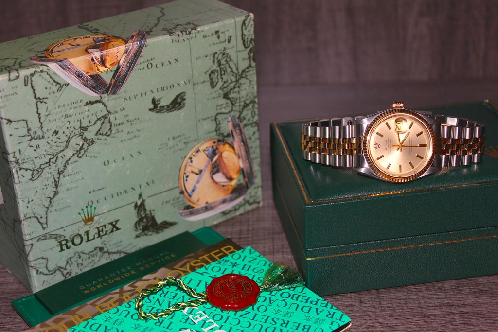 極上美品 ロレックス 男性用 デイトジャスト 1601 メンズ シャンパンゴールド K18金無垢