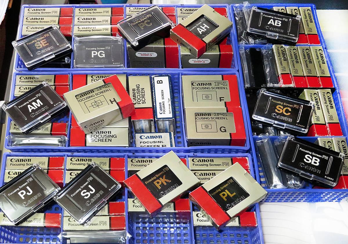 大幅値下げ中●Canon Nikon カメラアクセサリ-珍品・希少品多数在庫処分致します。PENTAX Mamiya Minoltaなどコレクション大量放出!!