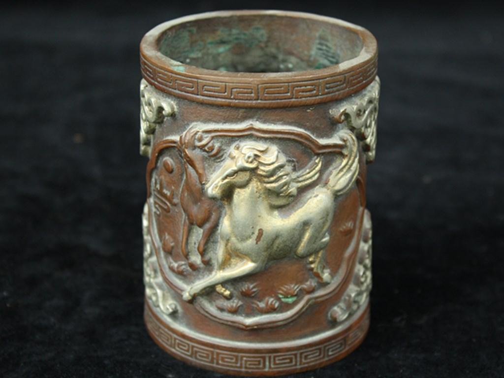 出土 老銅製 駿馬図筆筒 在銘 館蔵佳品x90824