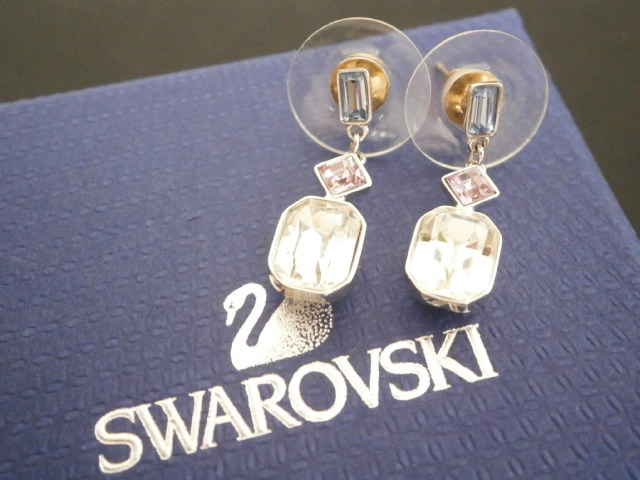 1スタ 【美品】 SWAROVSKI スワロフスキー ピアス/箱付き/スタッドピアス/アクセサリー/YY-JK-15