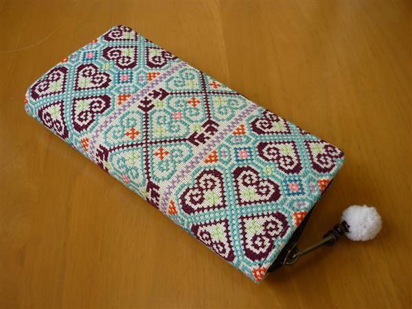 タイ、モン族など色々な刺繍の縦長財布(その67)
