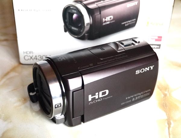 ●美品/SONYハイビジョンカメラHDR-CX430V/空間光学手ブレ補正/おまけ付き