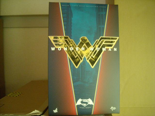 Hottoys MM#359 バットマン vs スーパーマン ジャスティスの誕生 1/6スケールフィギュア ワンダーウーマン ブリスター未開封 ホットトイズ グッズの画像