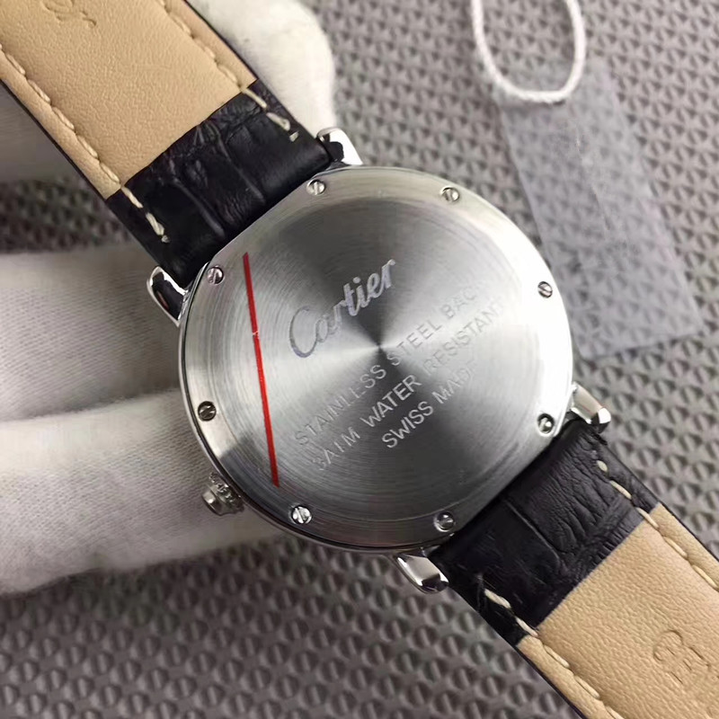 新品 Cartier 腕時計 男性用 ウォッチ_画像2